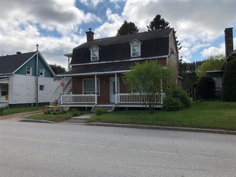 Duplex for sale in Lac-aux-Sables, Mauricie, 810 - 812, Rue  Principale, 18729049 - Centris.ca