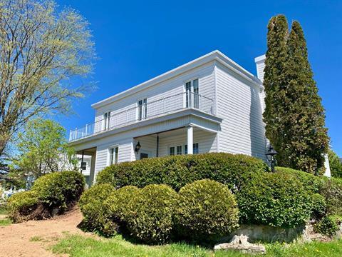 Maison à vendre à Carleton-sur-Mer, Gaspésie/Îles-de-la-Madeleine, 798, boulevard  Perron, 16072805 - Centris.ca