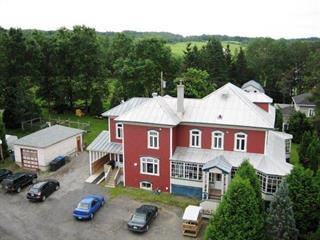 Maison à vendre à Lac-des-Aigles, Bas-Saint-Laurent, 72, Rue  Principale, 10701862 - Centris.ca