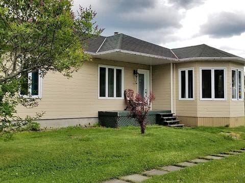 Maison à vendre à Rivière-Éternité, Saguenay/Lac-Saint-Jean, 32, Rue  Notre-Dame, 24925194 - Centris.ca