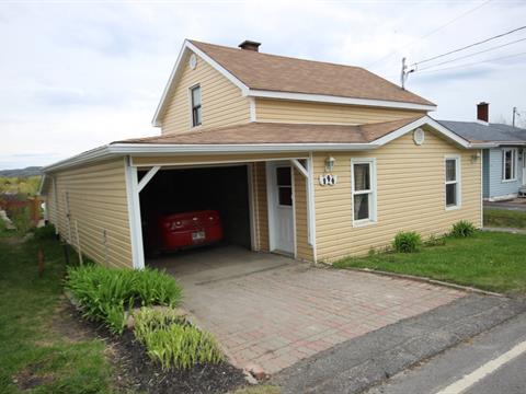 House for sale in Saint-Isidore-de-Clifton, Estrie, 144, Rue  Principale, 21822075 - Centris.ca