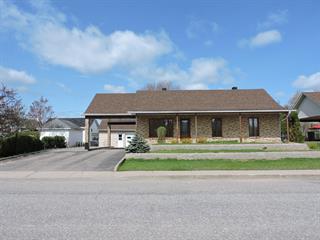 Maison à vendre à Dolbeau-Mistassini, Saguenay/Lac-Saint-Jean, 569, Rue  Chopin, 21253193 - Centris.ca
