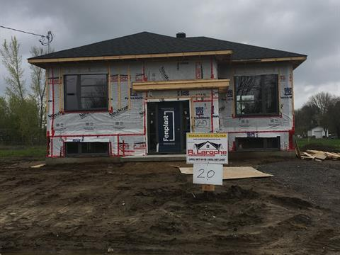 House for sale in Lanoraie, Lanaudière, 24, Rue  Jean-Baptiste-Neveu, 10142896 - Centris.ca