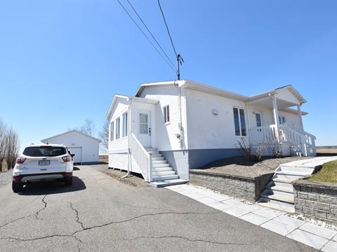Maison à vendre à L'Isle-Verte, Bas-Saint-Laurent, 61, Rue du Quai, 17934946 - Centris