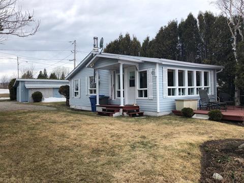 Cottage for sale in Chambord, Saguenay/Lac-Saint-Jean, 251, Route du Quai, 26690793 - Centris.ca