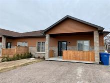 Townhouse for sale in Chicoutimi (Saguenay), Saguenay/Lac-Saint-Jean, 2035, Rue du Muscadet, 27617155 - Centris