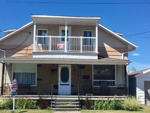 Duplex for sale in Lac-aux-Sables, Mauricie, 701 - 703, Rue  Principale, 13427215 - Centris.ca