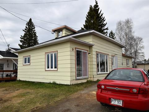 House for sale in La Reine, Abitibi-Témiscamingue, 9, 1re Avenue Ouest, 28492947 - Centris.ca