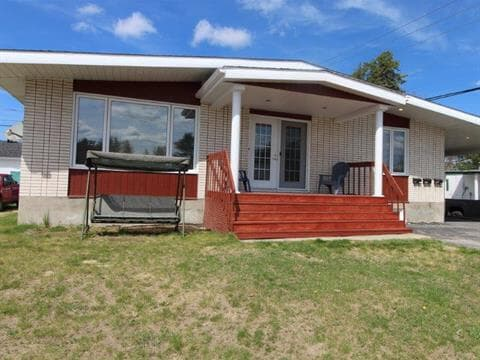 Triplex for sale in Dolbeau-Mistassini, Saguenay/Lac-Saint-Jean, 1928 - 1930, Rue des Mélèzes, 28315542 - Centris