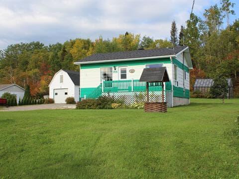 Maison à vendre à Ragueneau, Côte-Nord, 154, Route  138, 11935386 - Centris.ca