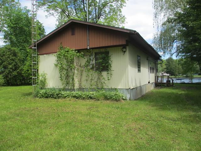 Cottage for sale in Hinchinbrooke, Montérégie, 2027, Chemin du Lac Moonlight, 22188879 - Centris.ca