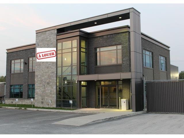 Local industriel à louer à Laval (Duvernay), Laval, 1500, Rue  Marcel-Benoit, 27535544 - Centris.ca