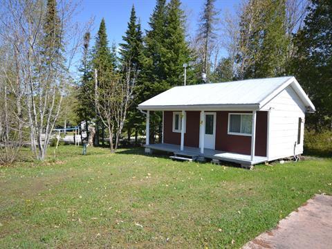 Cottage for sale in Saint-Hubert-de-Rivière-du-Loup, Bas-Saint-Laurent, 229, Chemin des Saumons, 28690916 - Centris.ca
