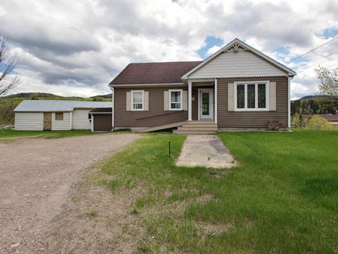 Maison à vendre à L'Anse-Saint-Jean, Saguenay/Lac-Saint-Jean, 28, Rue  Saint-Jean-Baptiste, 10267785 - Centris.ca