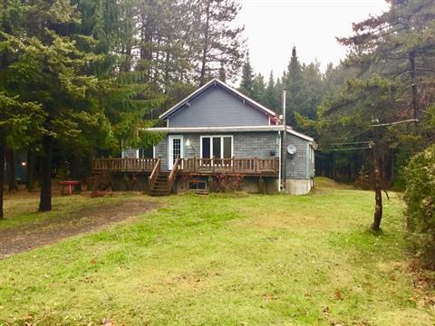 Cottage for sale in Sainte-Cécile-de-Whitton, Estrie, 610, Chemin du Lac-des-Trois-Milles Est, 25862687 - Centris.ca