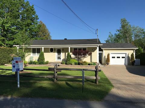 Maison à vendre à Ayer's Cliff, Estrie, 1019, Chemin  Round-Bay, 18347257 - Centris