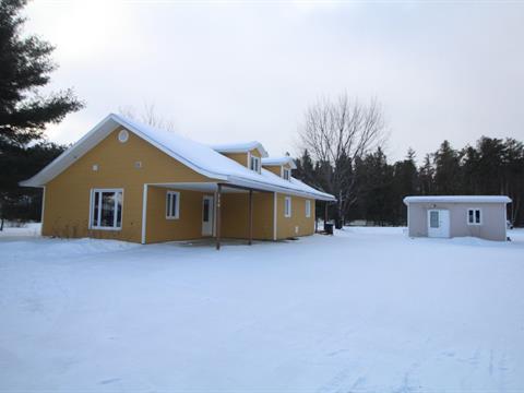 Maison à vendre à Péribonka, Saguenay/Lac-Saint-Jean, 119, Route du Centre-Plein-Air, 19992892 - Centris