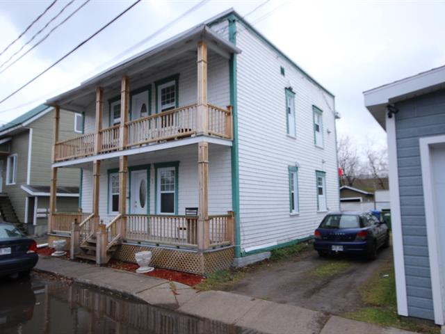 Duplex for sale in Saguenay (Chicoutimi), Saguenay/Lac-Saint-Jean, 130 - 132, Rue  Vézina, 10213962 - Centris.ca