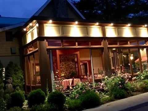 Commercial building for sale in Sainte-Agathe-des-Monts, Laurentides, 15 - 17, Rue  Principale Est, 27514501 - Centris.ca