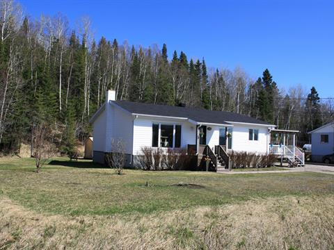 Maison à vendre à Pointe-aux-Outardes, Côte-Nord, 160, Chemin  Principal, 25071123 - Centris.ca
