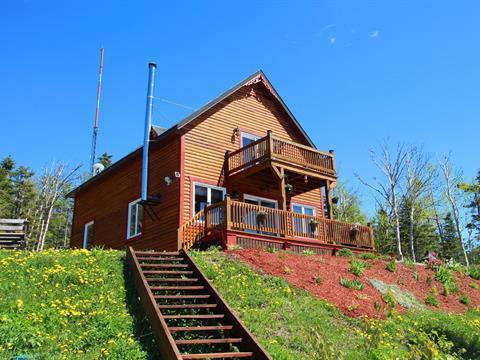 Maison à vendre à Carleton-sur-Mer, Gaspésie/Îles-de-la-Madeleine, 601, Rue de la Montagne, 16386942 - Centris.ca