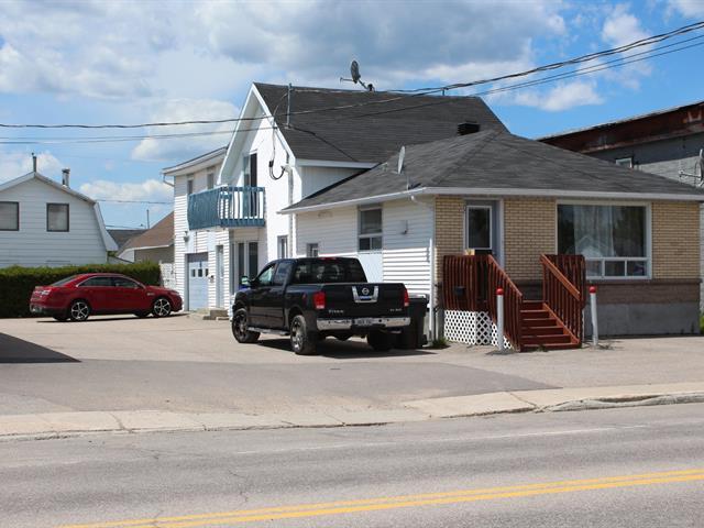 Triplex à vendre à Chute-aux-Outardes, Côte-Nord, 222, Rue  Vallilée, 21107976 - Centris.ca