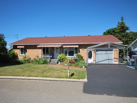 House for sale in L'Isle-Verte, Bas-Saint-Laurent, 18, Rue  Drapeau, 20602496 - Centris
