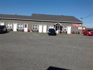 Bâtisse commerciale à vendre à Saint-Ulric, Bas-Saint-Laurent, 2680, Route  132 Est, 18125762 - Centris.ca