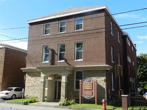 Commercial unit for rent in Rimouski, Bas-Saint-Laurent, 30, Rue de l'Évêché Est, 19792690 - Centris