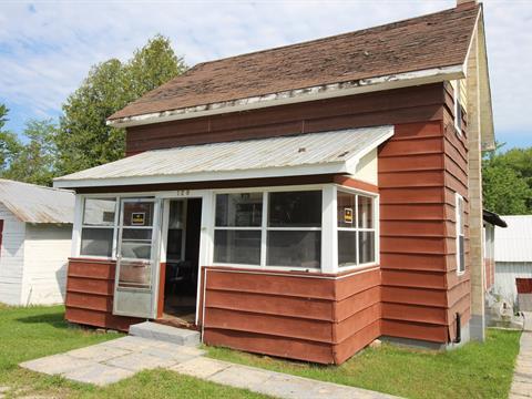 House for sale in L'Isle-aux-Allumettes, Outaouais, 129, Rue  Front, 27915267 - Centris