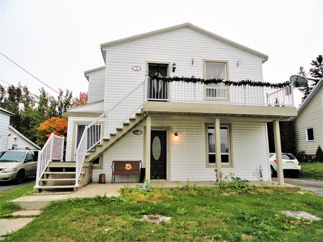 Duplex à vendre à Saint-Jacques, Lanaudière, 75 - 77, Rue  Venne, 28478071 - Centris.ca