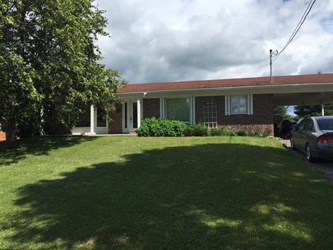 House for sale in Lac-aux-Sables, Mauricie, 8, Rue de la Montagne, 11496979 - Centris.ca