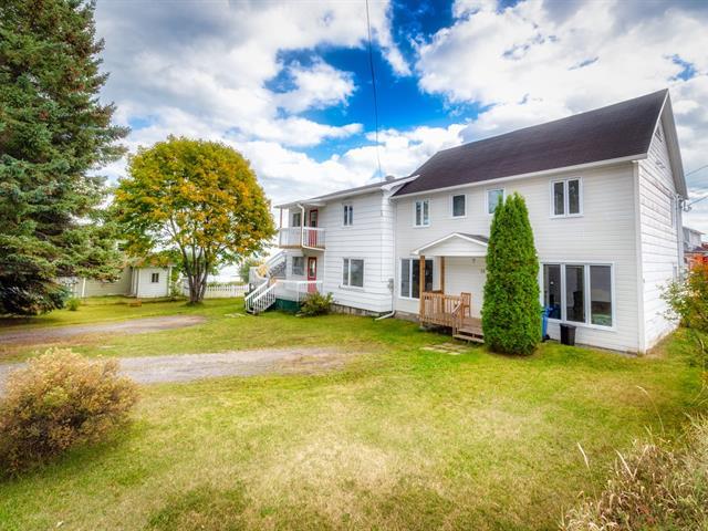 Triplex for sale in La Malbaie, Capitale-Nationale, 35 - 55, Côte  Bellevue, 22347908 - Centris.ca