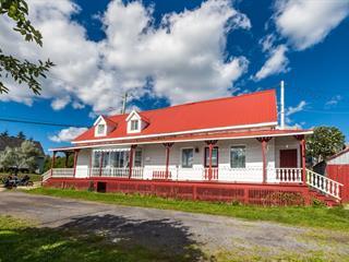 Maison à vendre à Les Éboulements, Capitale-Nationale, 2288, Route du Fleuve, 27653893 - Centris.ca