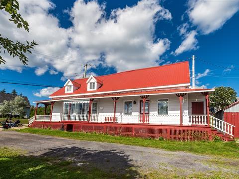 House for sale in Les Éboulements, Capitale-Nationale, 2288, Route du Fleuve, 27653893 - Centris.ca