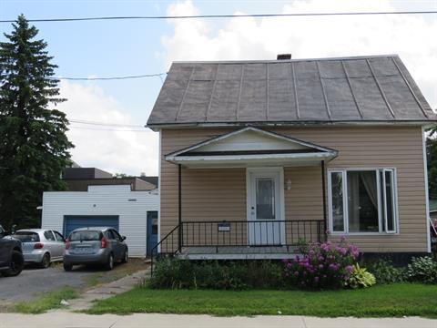 Duplex à vendre à Saint-Valérien-de-Milton, Montérégie, 1354 - 1356, Rue  Principale, 14673281 - Centris.ca