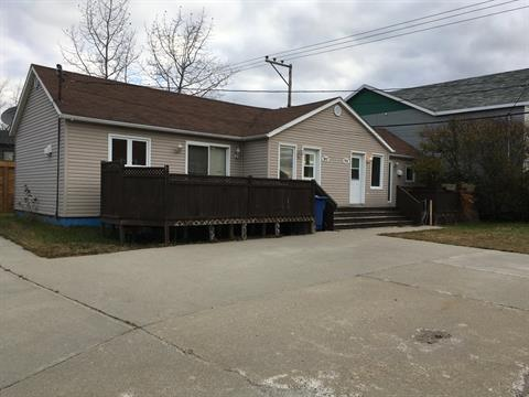 Duplex for sale in Havre-Saint-Pierre, Côte-Nord, 931 - 937, Rue du Bagouin, 12769143 - Centris.ca