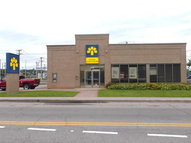 Bâtisse commerciale à vendre à Saguenay (La Baie), Saguenay/Lac-Saint-Jean, 1220, Avenue du Port, 22648884 - Centris.ca