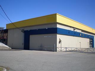 Bâtisse commerciale à louer à Blainville, Laurentides, 860, boulevard du Curé-Labelle, 12788366 - Centris.ca