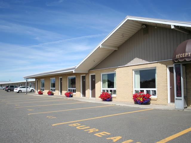 Commercial building for sale in Matane, Bas-Saint-Laurent, 632, Avenue du Phare Est, 21064100 - Centris.ca