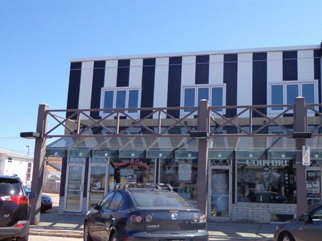 Bâtisse commerciale à vendre à Baie-Comeau, Côte-Nord, 833 - 843, Rue  De Puyjalon, 13071399 - Centris.ca