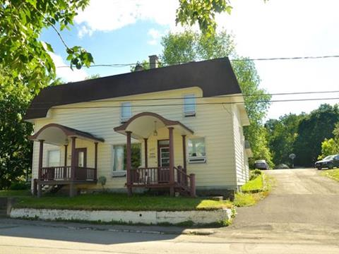 Maison à vendre à Témiscouata-sur-le-Lac, Bas-Saint-Laurent, 2506 - 2506A, Rue  Commerciale Sud, 26262676 - Centris.ca