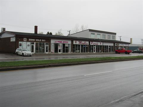 Commercial unit for rent in Sept-Îles, Côte-Nord, 881, boulevard  Laure, 23776452 - Centris.ca