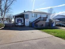 Triplex for sale in Sept-Îles, Côte-Nord, 331, Avenue  Iberville, 9482228 - Centris.ca