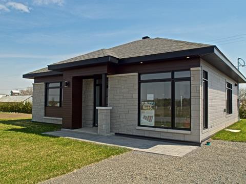 House for sale in Saint-Bernard-de-Lacolle, Montérégie, 8, Rue  Nycole, 28751865 - Centris.ca