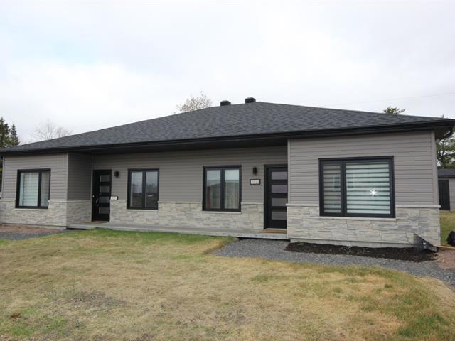 Maison à vendre à Saguenay (Chicoutimi), Saguenay/Lac-Saint-Jean, Rue  Gabriel, 23195887 - Centris.ca