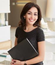 Camelia Fathi, Courtier immobilier résidentiel