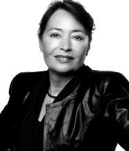 Gloria Catracchia, Courtier immobilier