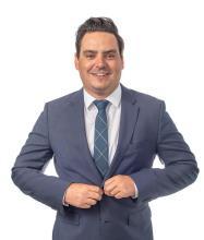 Julien Roy, Courtier immobilier