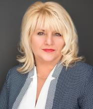 Caroline Sauriol, Courtier immobilier